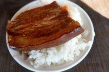 台灣彰化之阿讚控肉飯超級好吃耶