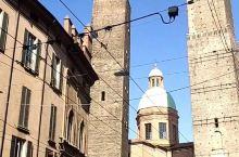 意大利博洛尼亚标志性古建筑 还可以登入最高层