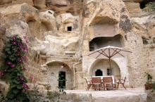 住进洞穴酒店,分不清是在月球还是土耳其