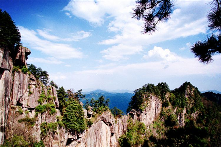Baotianman Ecological Tourism Area3