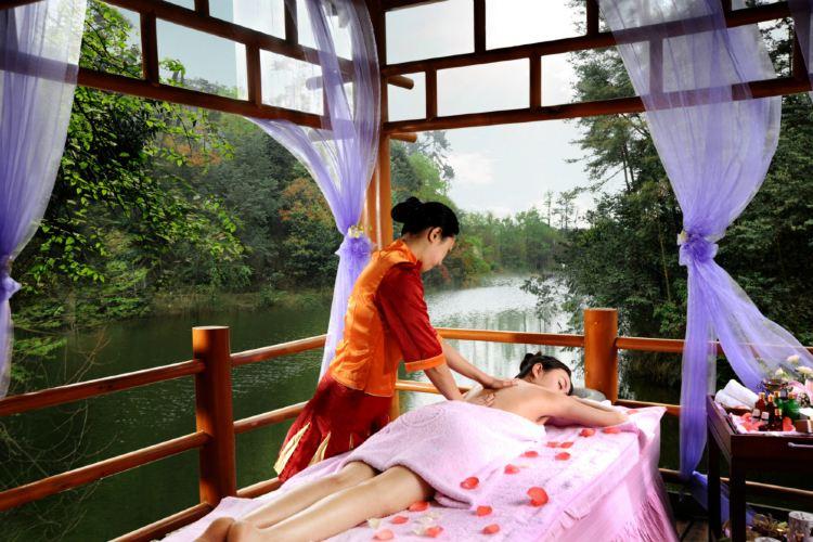 Hongzhushan Forest Hot Spring1