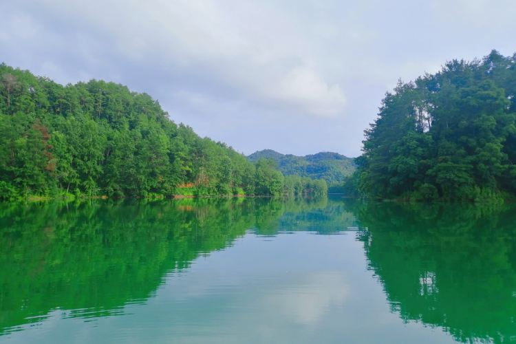 Doushui Lake Scenic Area4