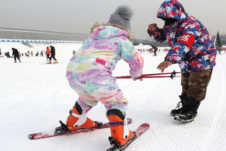 Liuling Tianyuan Xiaozhen Ski Field3