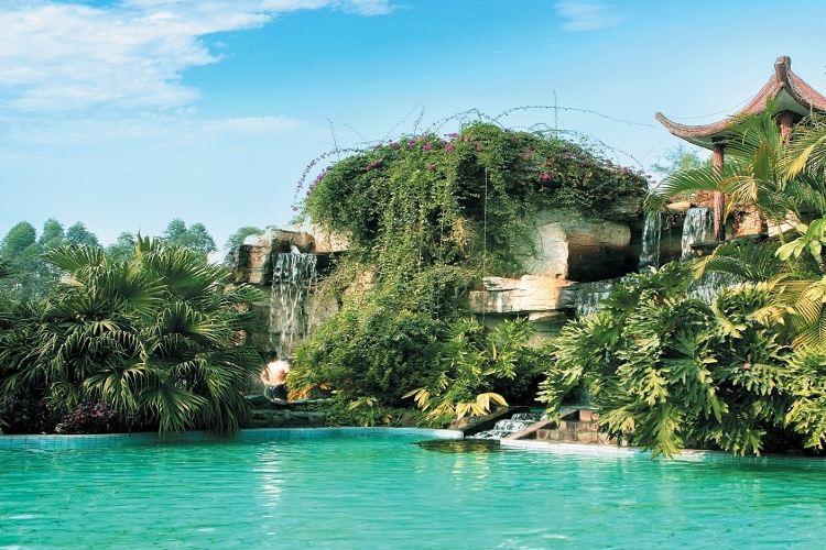 Xinyinzhan Hot Spring Holiday Resort2