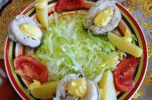 智利美食篇 想吃到各种各样新鲜的海鲜吗?想吃到你从来都没见过的海鲜吗?来智利吧!  智利海岸线长,海
