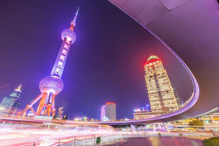 Oriental Pearl Radio & Television Tower2