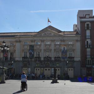 圣安娜广场旅游景点攻略图