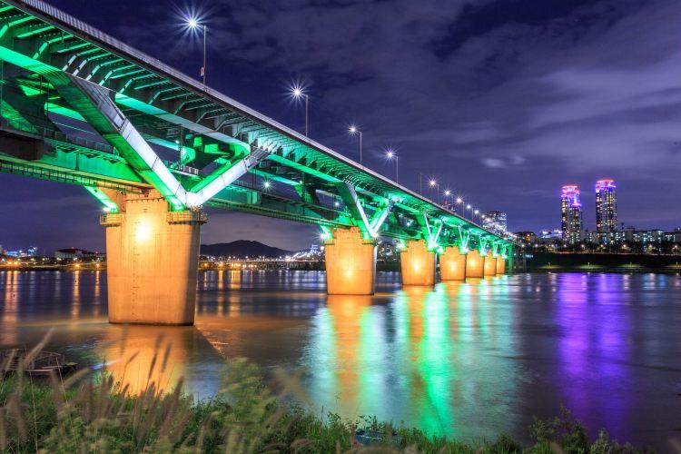 Youeido Han River Park1