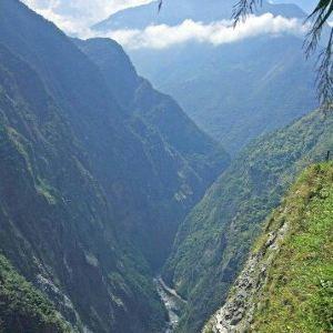 锥麓大断崖旅游景点攻略图