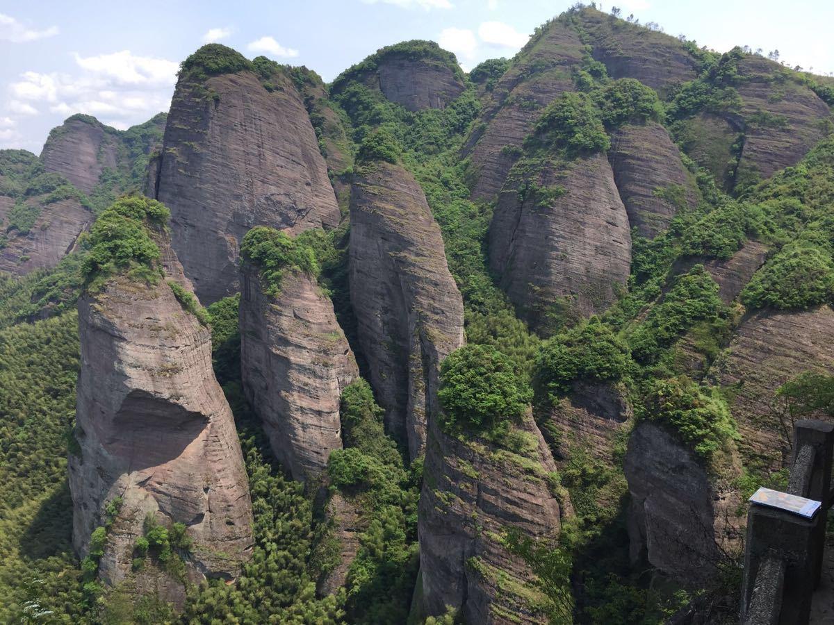 小武当_【携程攻略】龙南小武当山景点,就在105国道上,风景美山奇峻 ...