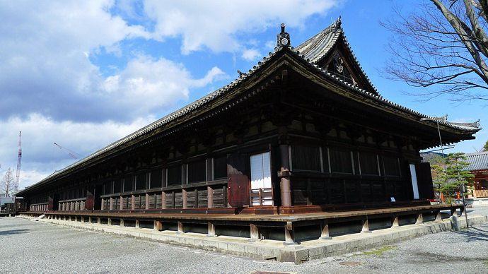 Sanjusangen-do Temple1