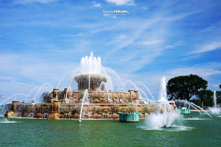 Clarence Buckingham Fountain2
