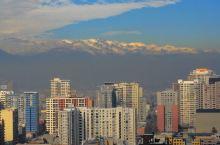 南美震撼之旅6 南美之行(五):又见圣地亚哥   美丽的圣地亚哥市   总统府前的大屏幕正在播放世界