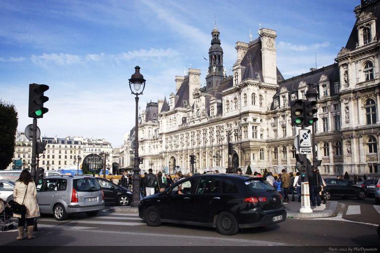 Hôtel de Ville3