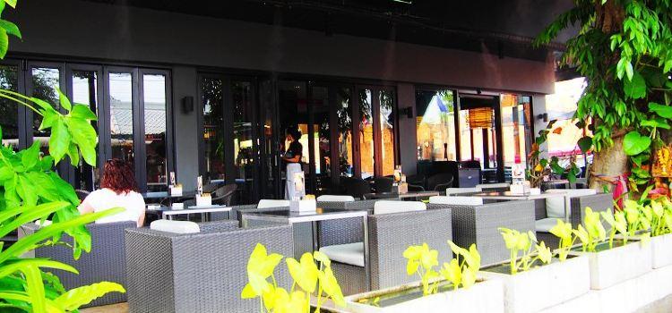 The Coffee Club - Thapae2