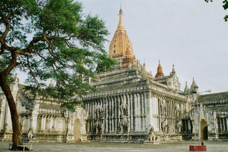 Ananda Temple2