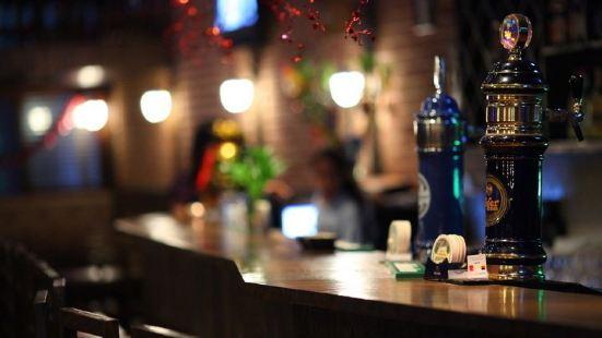 遇見美麗酒吧