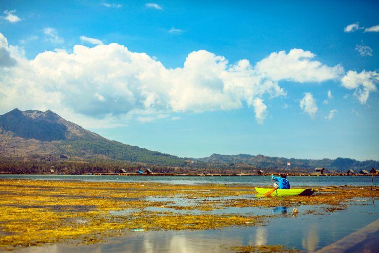 바뚜르 호수2