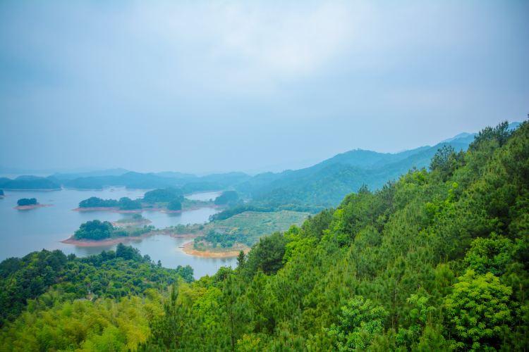 Thousand Island Lake3