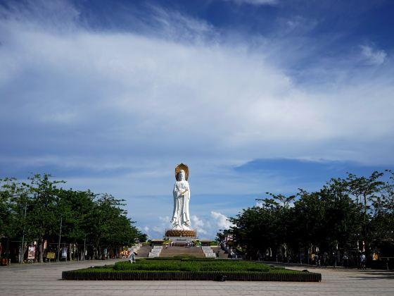 Guanyin Goddess at Nanshan