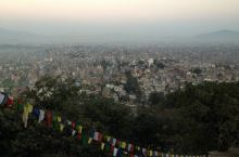 7一路向蓝 蓝毗尼 来到候庙就是要来对加都一览无疑啦!  在候庙遇见不丹来的修行人,有机会一定去不丹