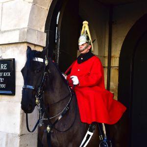 皇家骑兵卫队阅兵场旅游景点图片