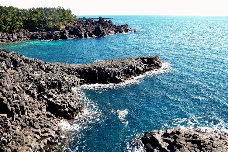 Daepo Jusangjeolli Cliff1