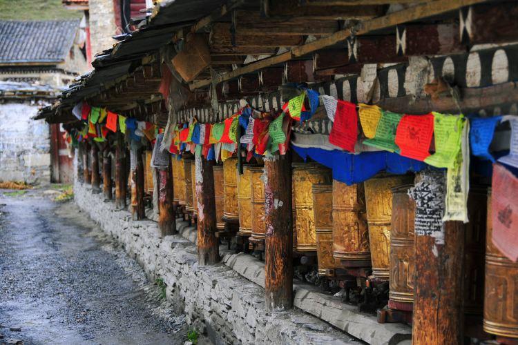 Tagong Temple2