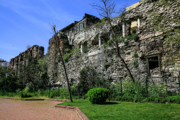 Walls of Constantinople1
