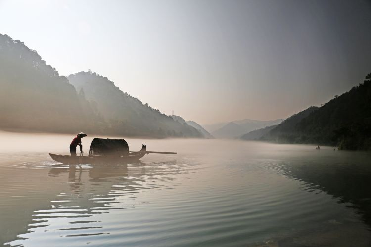 Dongjiang Lake Scenic Area1