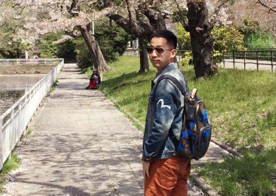 一个人,本州岛东北部,春。