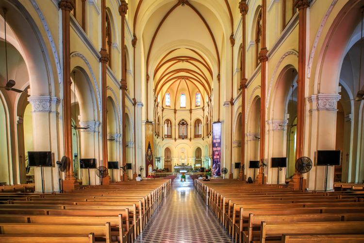 Notre-Dame Cathedral Basilica of Saigon3