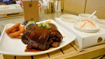 纸箱王主题餐厅