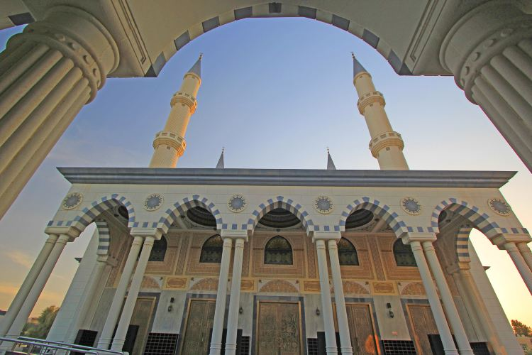 The Al Farooq Omar Bin Al Khattab Mosque And Centre2