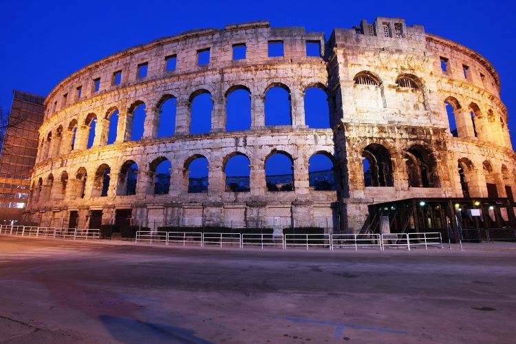 Roman Walls2