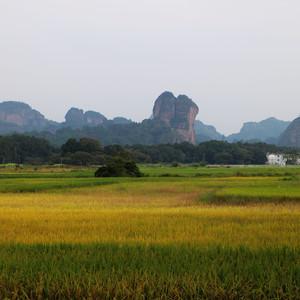 龙虎山游记图文-2015国庆西行记:这个假期,我去江西看峰,随风随云放飞心境!