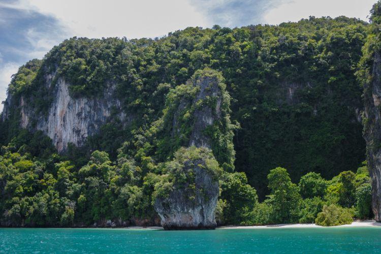 Hong Island2