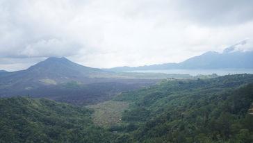 巴图尔火山