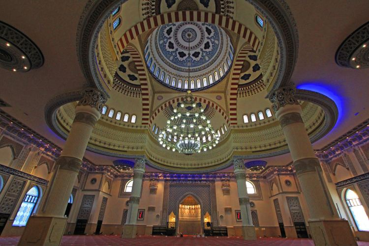 The Al Farooq Omar Bin Al Khattab Mosque And Centre3