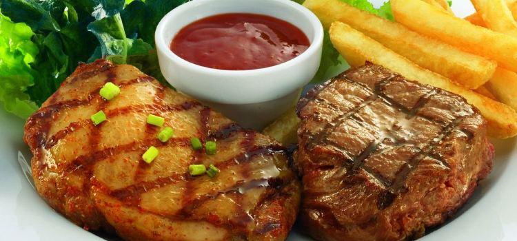 Center Cut Steakhouse1