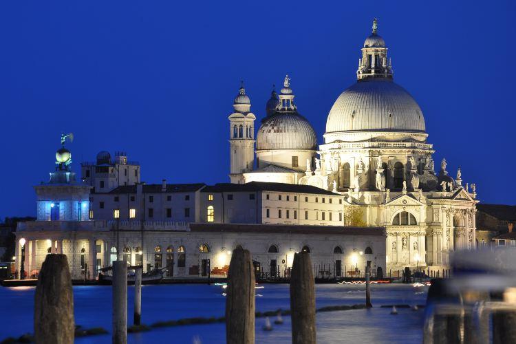 Basilica di Santa Maria della Salute2