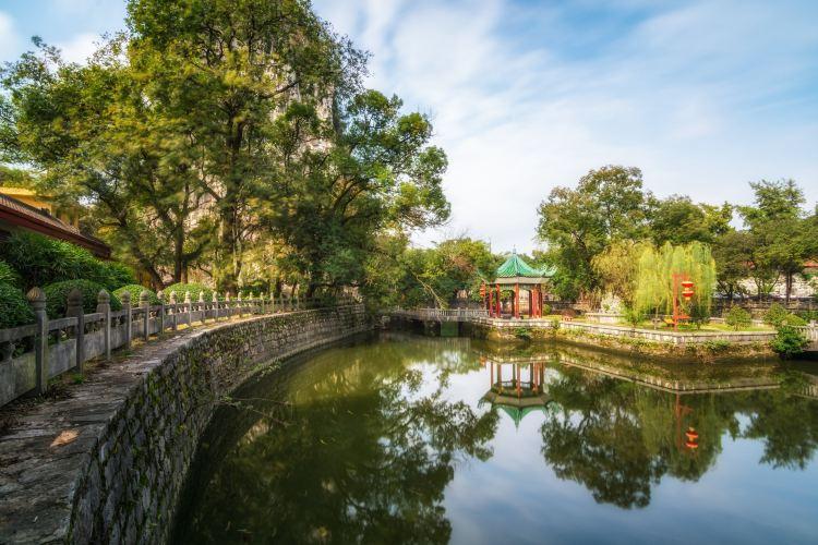 Duxiu Peak Palace Destination1