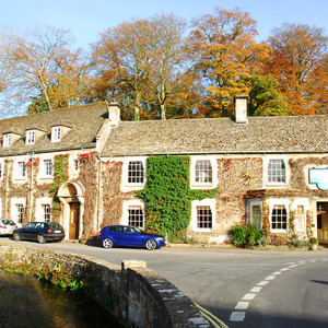 拜伯里游记图文-英国西部乡村游-拜伯里:油画里走出的唯美恬静小镇