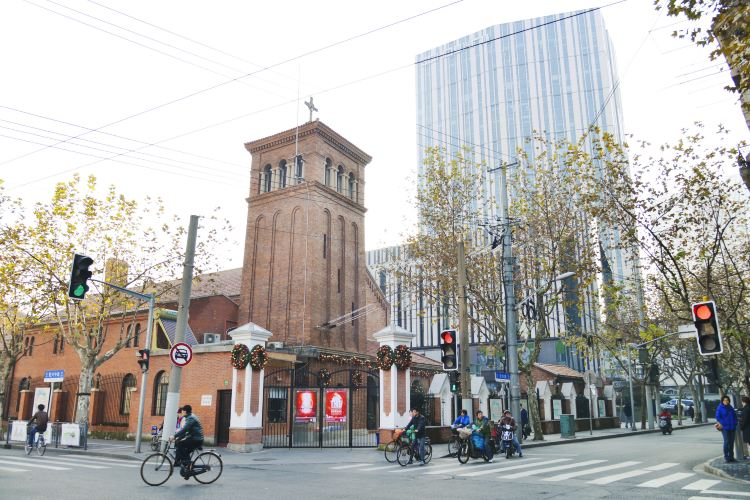 Christ All Saints Church in Shanghai (West Gate)1