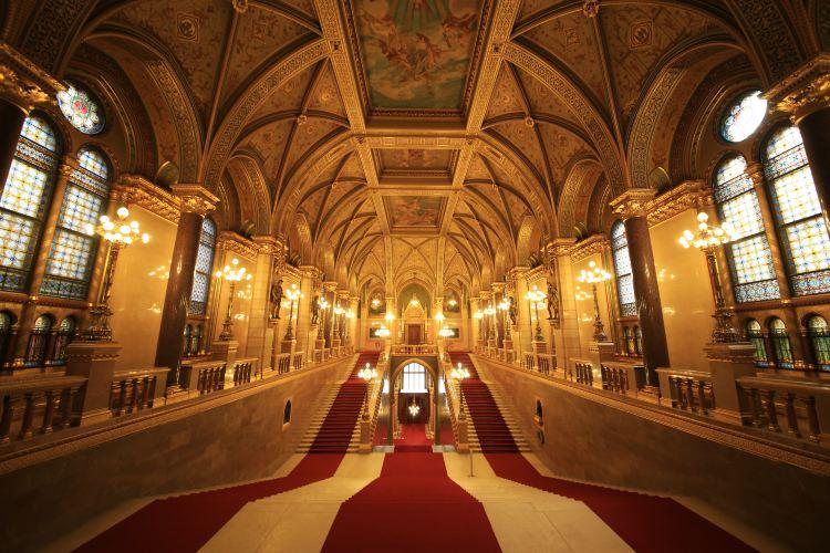 Hungarian Parliament Building4