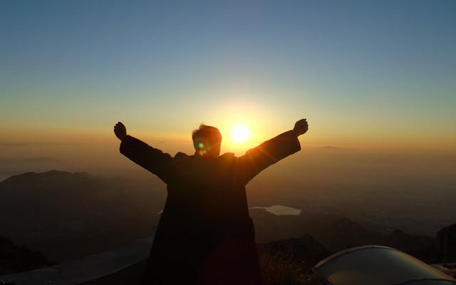 为了散文《泰山极顶》-而登泰山