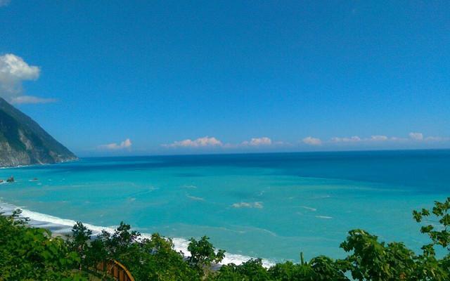 花蓮天氣好,海水更美麗,花蓮的清水斷崖,每天都不一樣的美,越看心情越好,越美