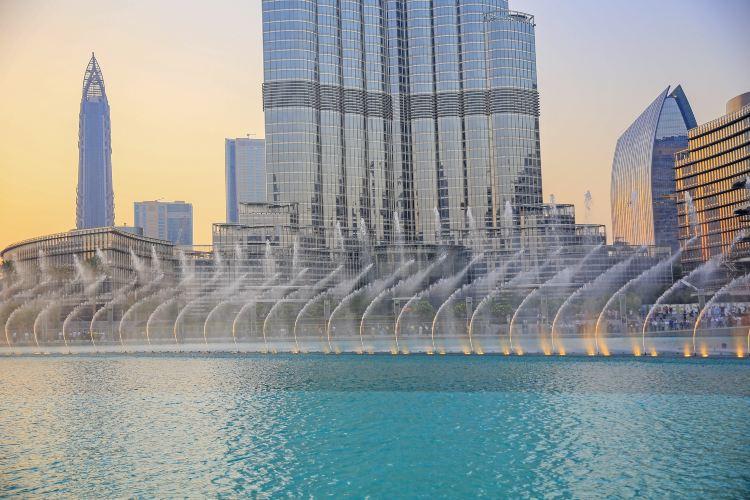 The Dubai Fountain1