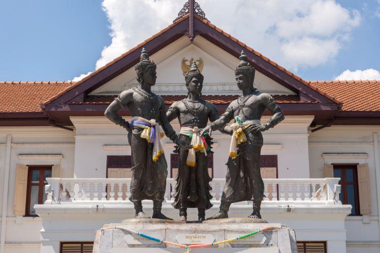 Three Kings Monument2