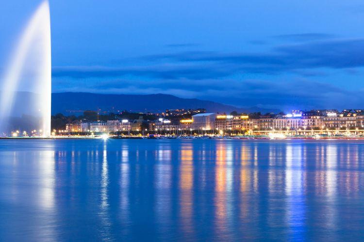 Lake Geneva1